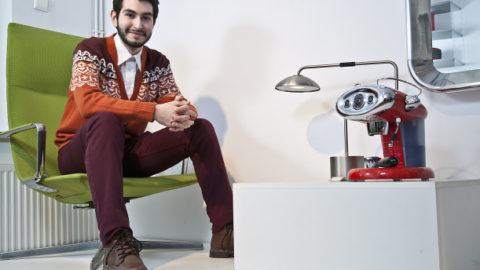 20.000 de cutii de cafea illy vor fi decorate, în cadrul unui proiect pilot, de către un tânăr artist român